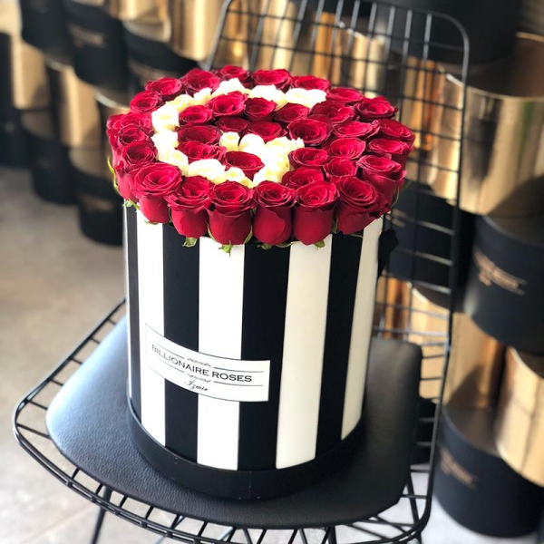 Zebra Desing G Harf Yuvarlak Kutu Gül Billionaire Roses